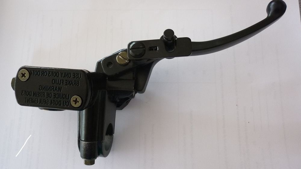Right Hand Master Cylinder with lock