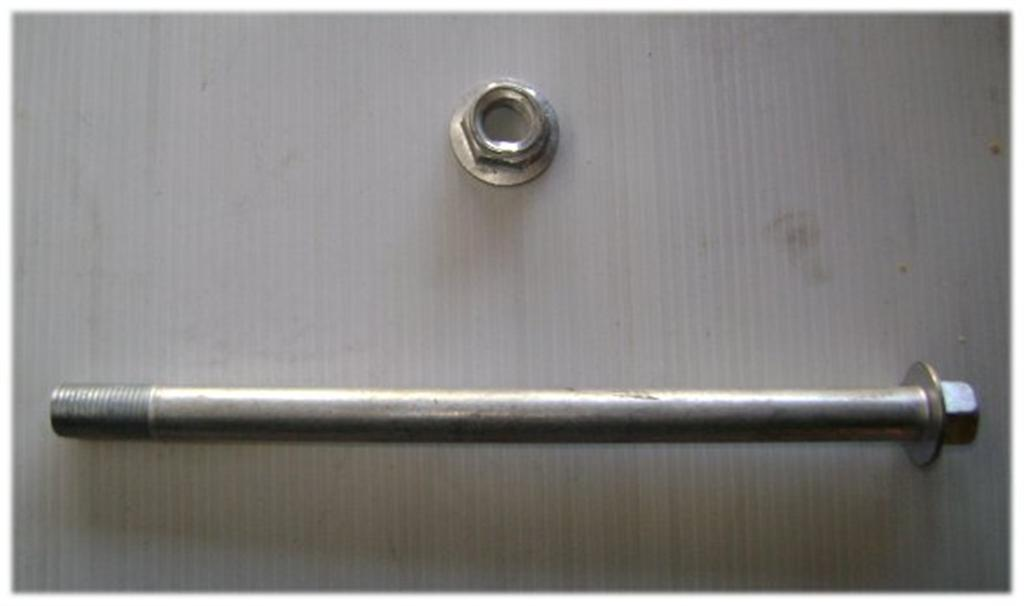 Axle 180mm x 12mm with nut